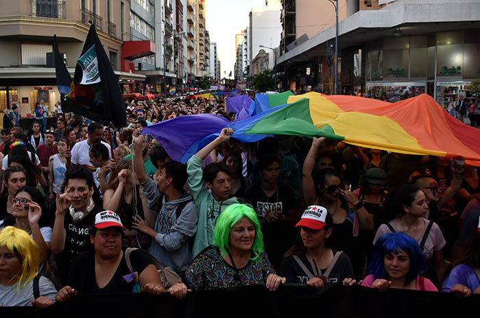 MARCHA DEL ORGULLO LGBTQI (21)