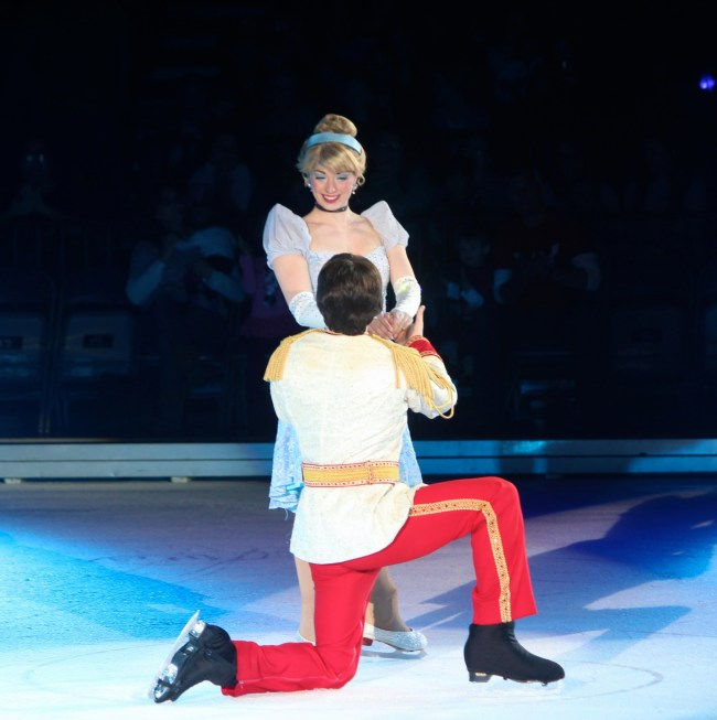 disney-on-ice-heart