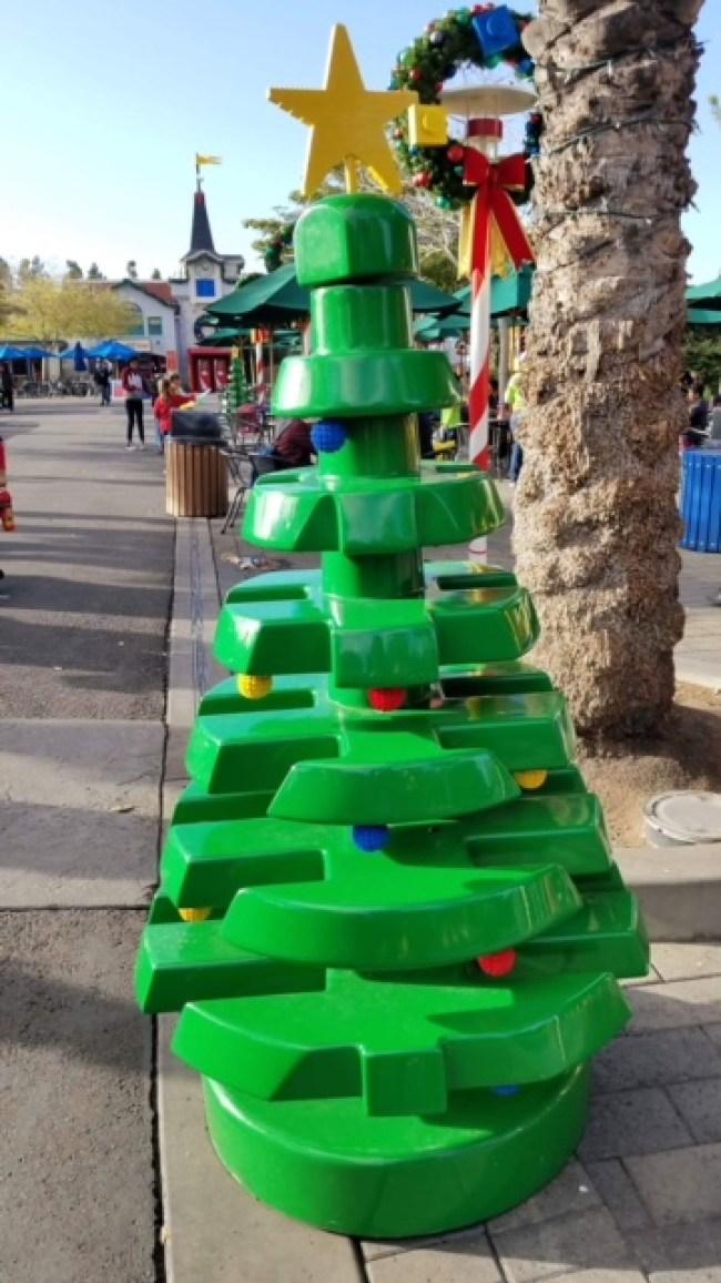 LEGOLAND-Lego-tree-holidays