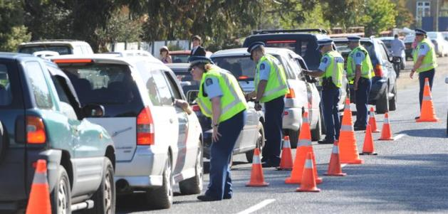 police_breath_test_drivers_leaving_wingatui_raceco_4ccfed046a