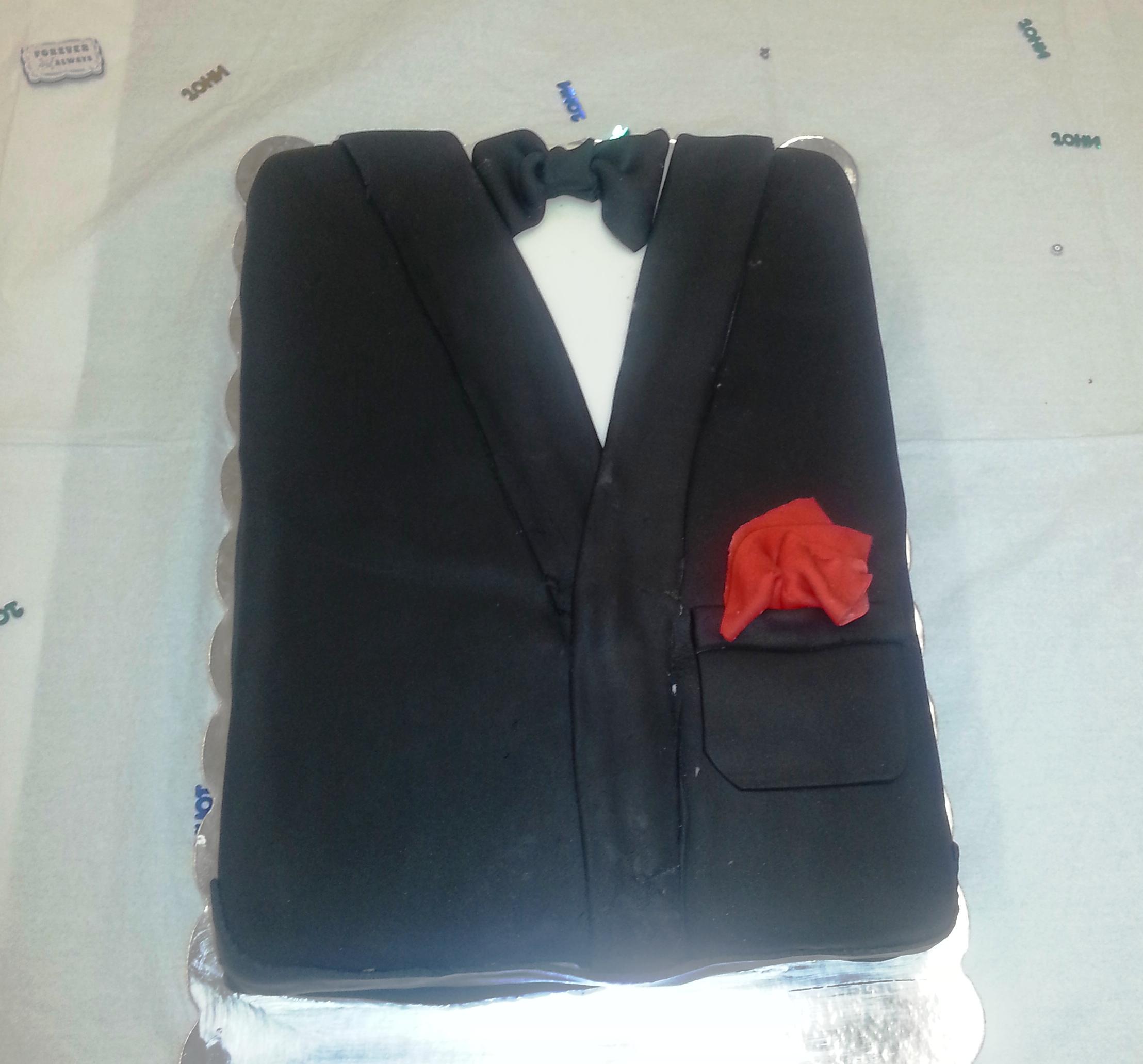 wedding chair covers reddit es robbins mat for hard floors grooms shower cake queenie cakes