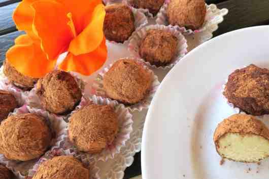 italian style tiramisú truffle fat bombs