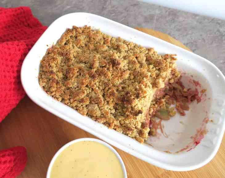 Sugar Free Low Carb Rhubarb & Ginger Crumble