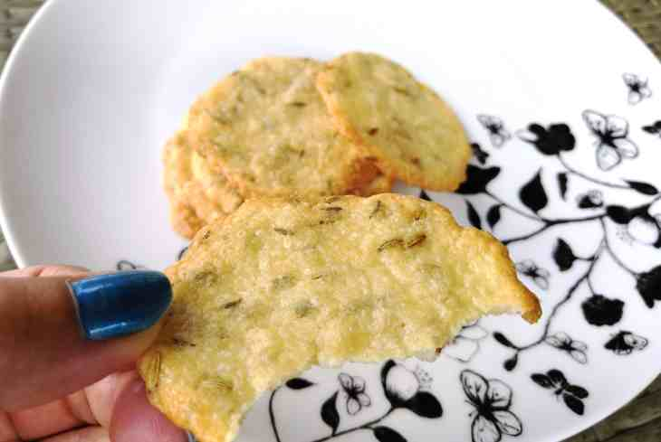 Zero Carbs Keto Parmesan & Fennel Crisps