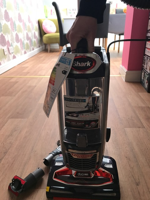 My Review of the Shark Lift away Upright. NV680UKT