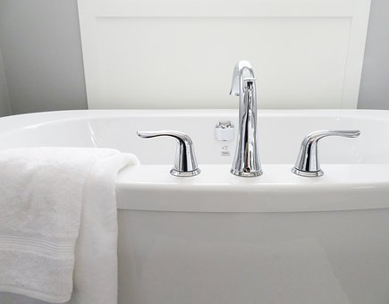 How To Design An Easy To Clean Bathroom