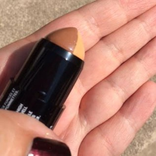 Maybelline FaceStudio Master Contour & Highlight V-Shape Duo Stick Review