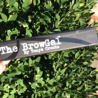 The BrowGal Highlighter Pencil Review