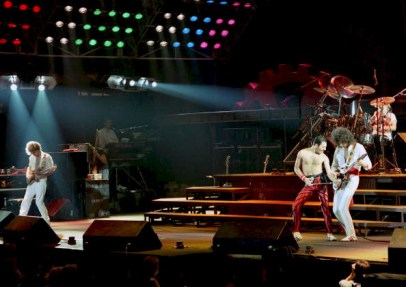 Photo of Brian MAY and Freddie MERCURY and John DEACON and QUEEN