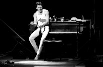 Freddie - Somebody To Love (Live In Milton Keynes 1982)