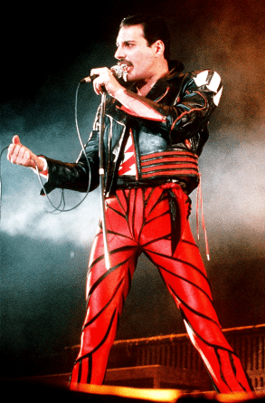 the works Freddie in live