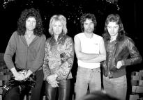 Queen 1977 photo