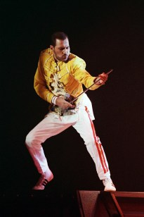 Freddie - 1989 The Miracle video (1)