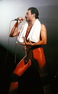 Freddie live in 1980 - the game tour