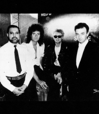 Queen - I Want It All photo session