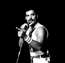 freddie-live-at-hot-space-tour