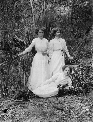 Byrne sisters Sandy Cape, 1910-1920
