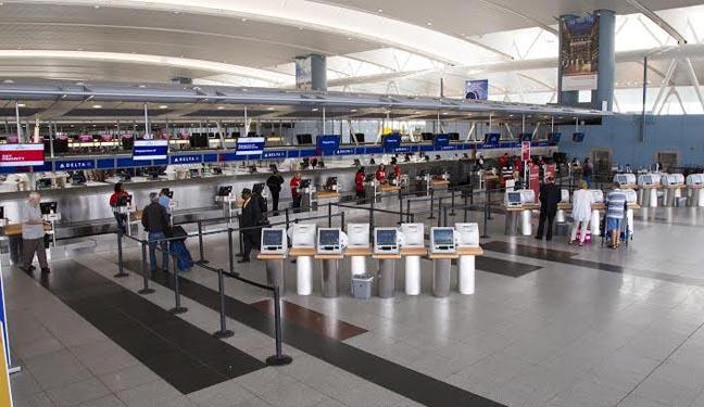 El área de recepción del Terminal #4 de Delta Airlines en el Aeropuesto Kennedy. Fotos cortesía