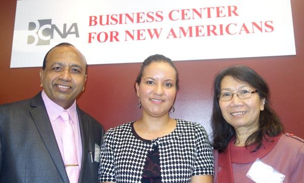 Los encargados de la oficina de BCNA en Queens, desde la izquierda, Vishwanath Dasma, María Paulino y Dong Tran.