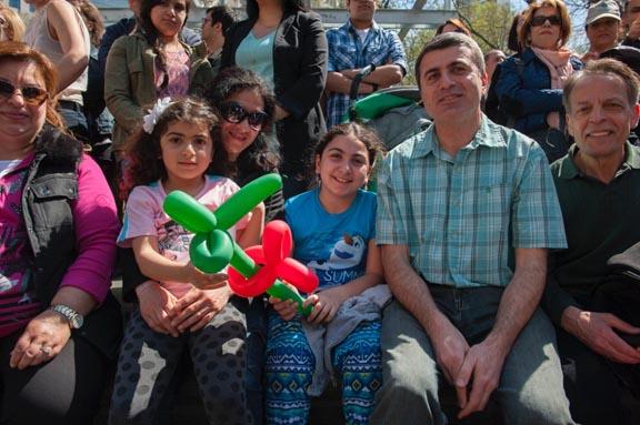 Las familias persas acudieron al desfile en Manhattan. Fotos Oscar Frasser