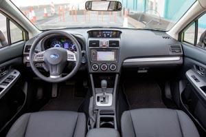 El interior del carro 2015 Subaru XV-Crosstrek.