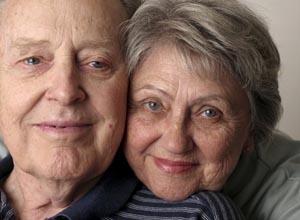 Es vital atender la salud de los envejecientes.