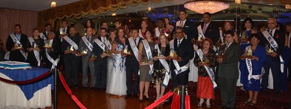Los honrados con el premio Quijote de empresarios durante la gala del Desfile de la Hispanidad de Nueva York en el Astoria Minor de Queens. Fotos Yesenia Pazos.