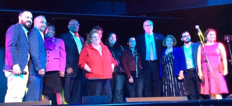 En la discoteca La Boom de Queens, los políticos y activistas se hicieron presente para apoyar a los damnificados del terremoto en Ecuador. Foto courtesía del senador Peralta