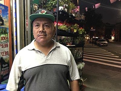 Arturo Guzmán en la calle 104 de Corona.
