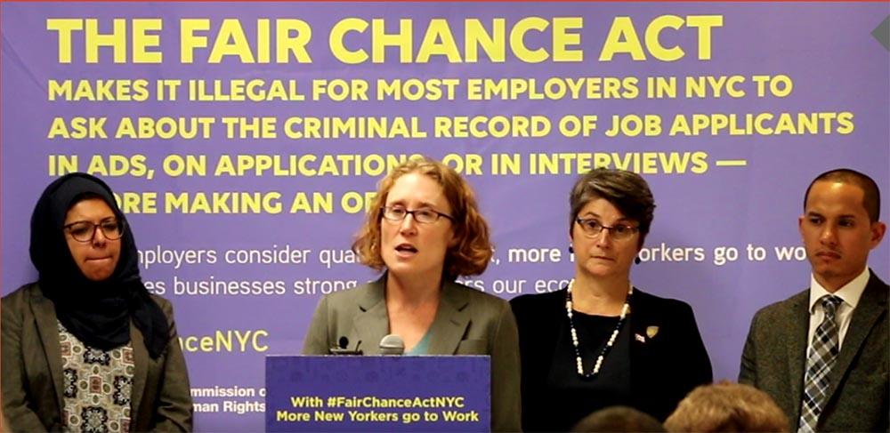 Rueda de prensa de la Comisión de Derechos Humanos de NYC donde se dio a conocer las querellas contra la empresas que preguntan el pasado criminal de quienes solicitan empleo. Foto cortesía