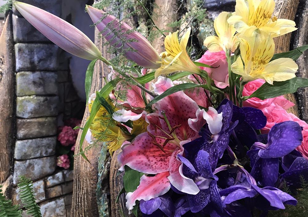 En el show de Macy's hay flores y de clase.