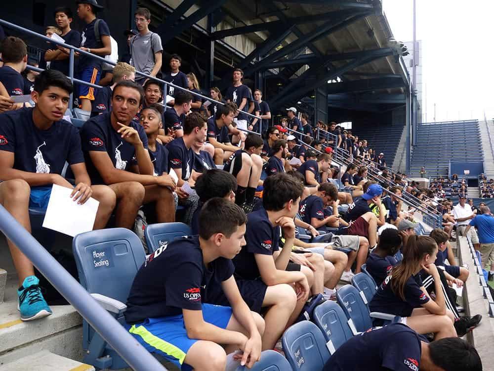 Cerca de 500 chicos de todas las edades se inscribieron el año pasado para conseguir una plaza como recoge pelota del US Open. Foto Marcela Alvarez