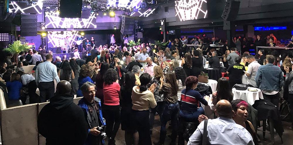A la discoteca LaBoom acudieron más de 500 colombianos y algunos latinos. Foto Javier Castaño