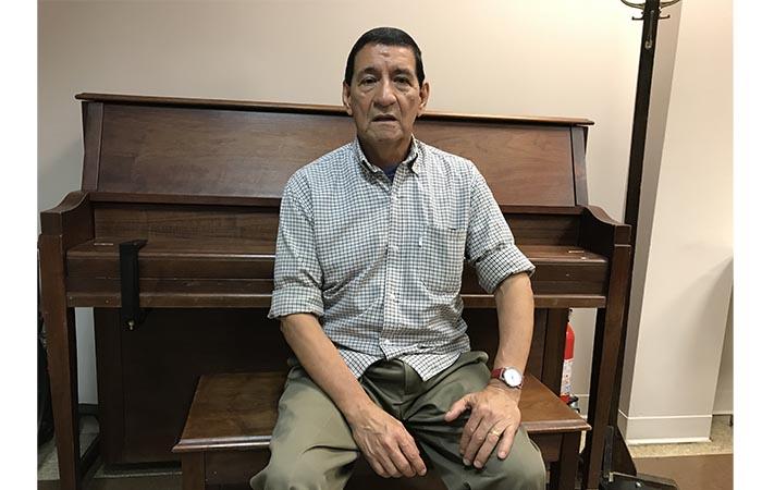 Retirado Héctor Quiroga: 'Lo mío es el inglés y las computadoras'