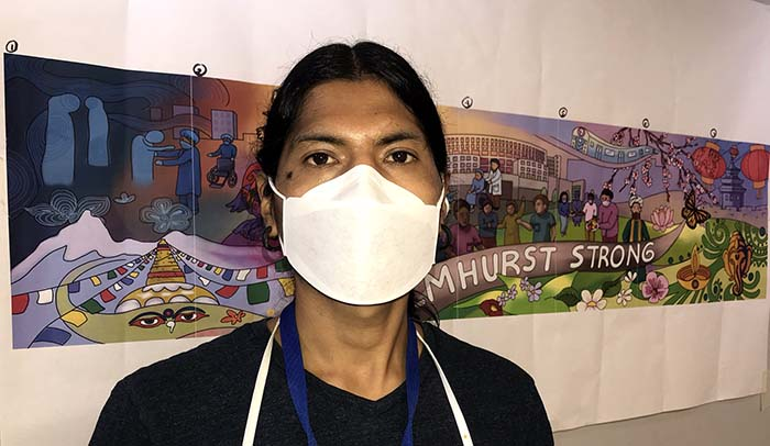 Artista andino crea mural en Elmhurst Hospital