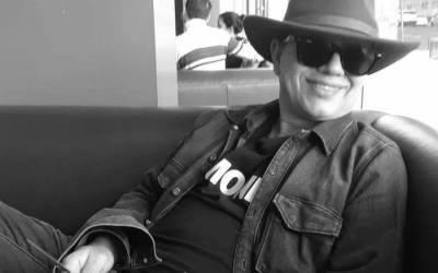 Poeta Rafael Urrea en Librería Barco de Papel