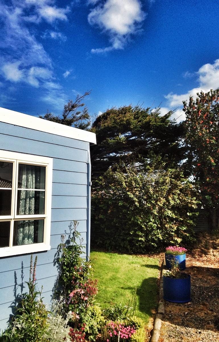 Beautiful Riverton bach accommodation