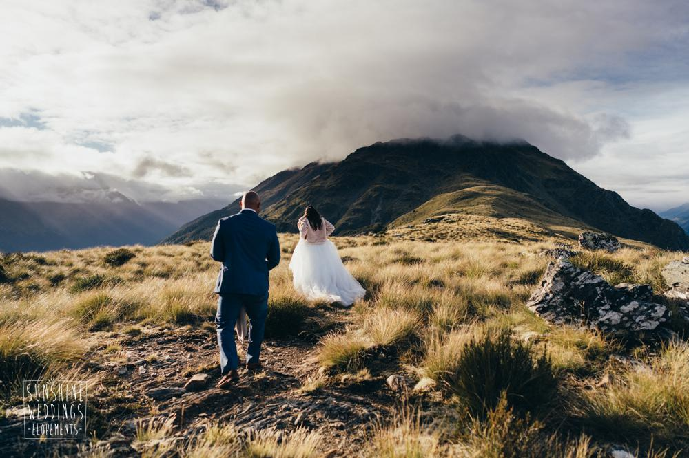 Wedding photographer Queenstown mountain weddings at the Humboldts
