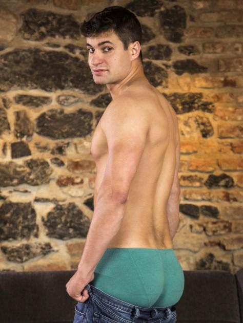 Rudy Valentino barebacks Maxim Cermak