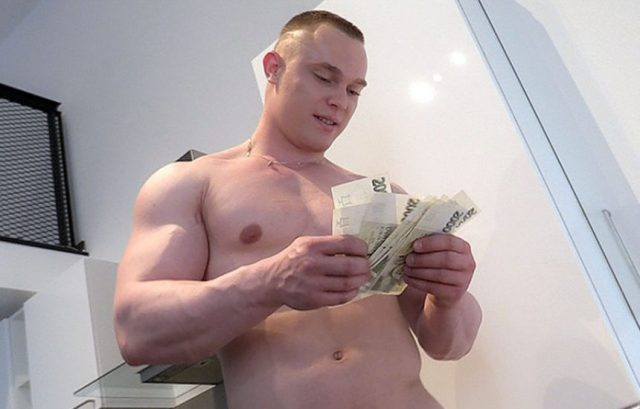 Beefy Czech Guy Goes Gay For Pay In Czech Hunter 301