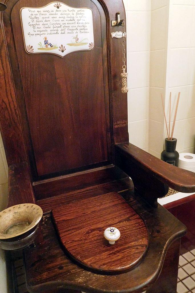 gents' toilet