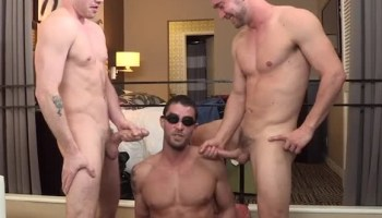 Cody Cummings Teaches Gay Guys How To Give A Blowjob