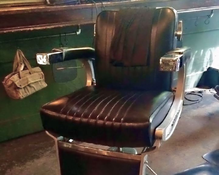 Rudy's Barber Chair