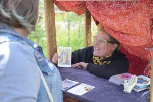 Flossy Roxx Queer Tarot Reader