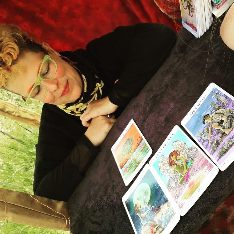 Free Queer Tarot Readings