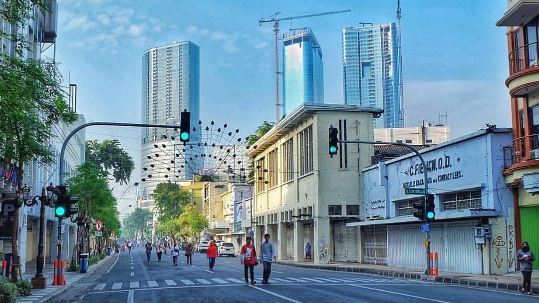 10 Gambar Peta Jalan Tunjungan Surabaya Malam Hari