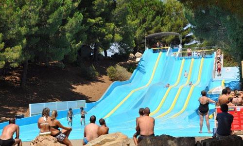 Jeux d'eau et parcs aquatiques autour de Marseille