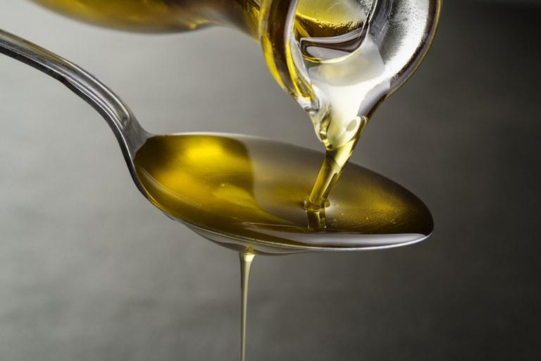 Ministério proíbe venda de 9 marcas de azeite sob investigação de fraude