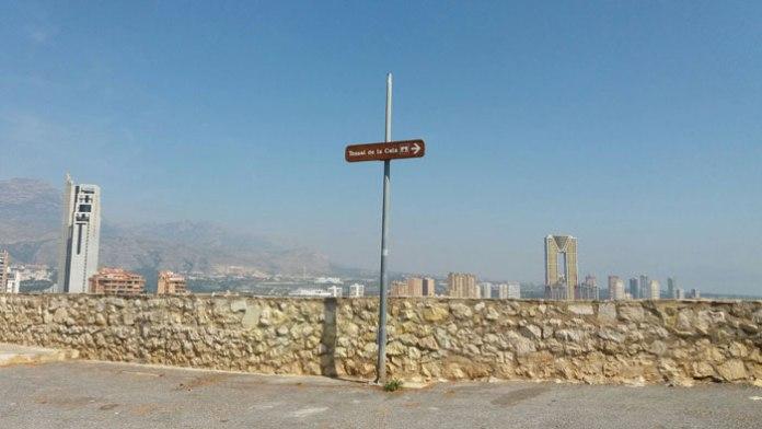 Patrimonio Histórico señaliza las rutas hasta el Tossal de La Cala y la Torre de les Caletes