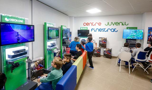 Centre Juvenil Finestrat Consolas 2019